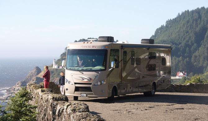 us_elmonte_camper_af34_highway1.jpg