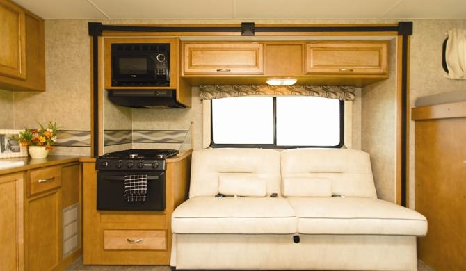 apus_eclipse-camper-internal-photo-3.jpg
