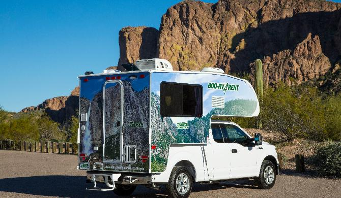 usca_cruiseamerica_t17_camper_exterior_3