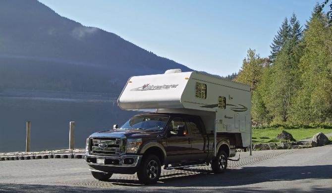 Truck Camper Fraserway exterior