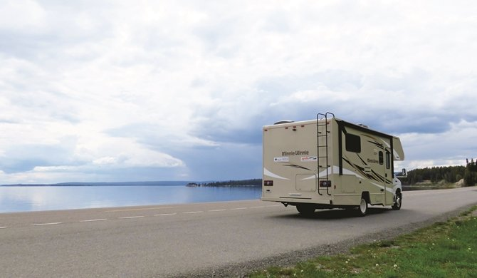 Star RV Taurus Yellowstone Lake
