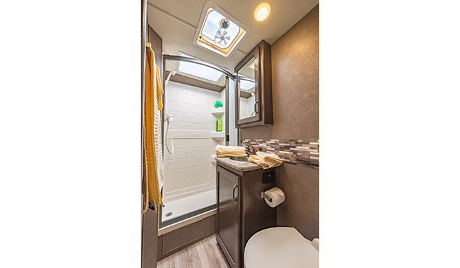 Road Bear c22-24ft Shower