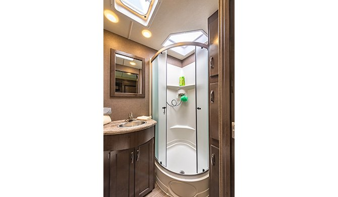 Roadbear A30-32ft shower