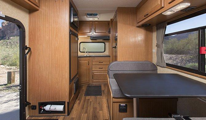 Cruise Canada C19 Interior