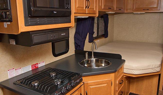 Cruise Canada C25 interior