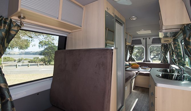 Maui NZ Ultima Plus interior