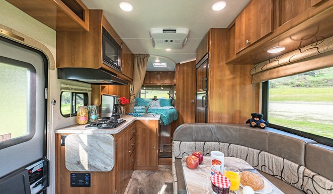 RoadBear C21-23Ft interieur