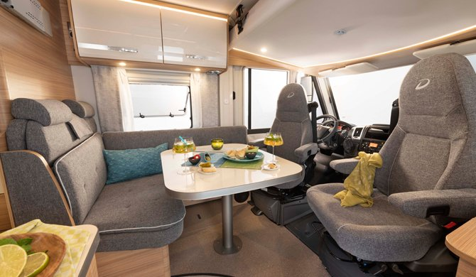 McRent Compact Luxury camper