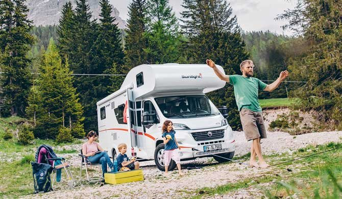 Met het gehele zin op camperreis in de Family Luxury camper van McRent