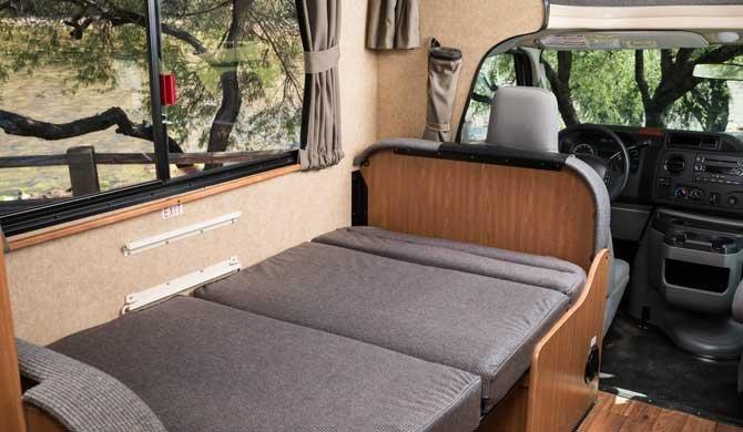 Cruise America/Canada C19 camper