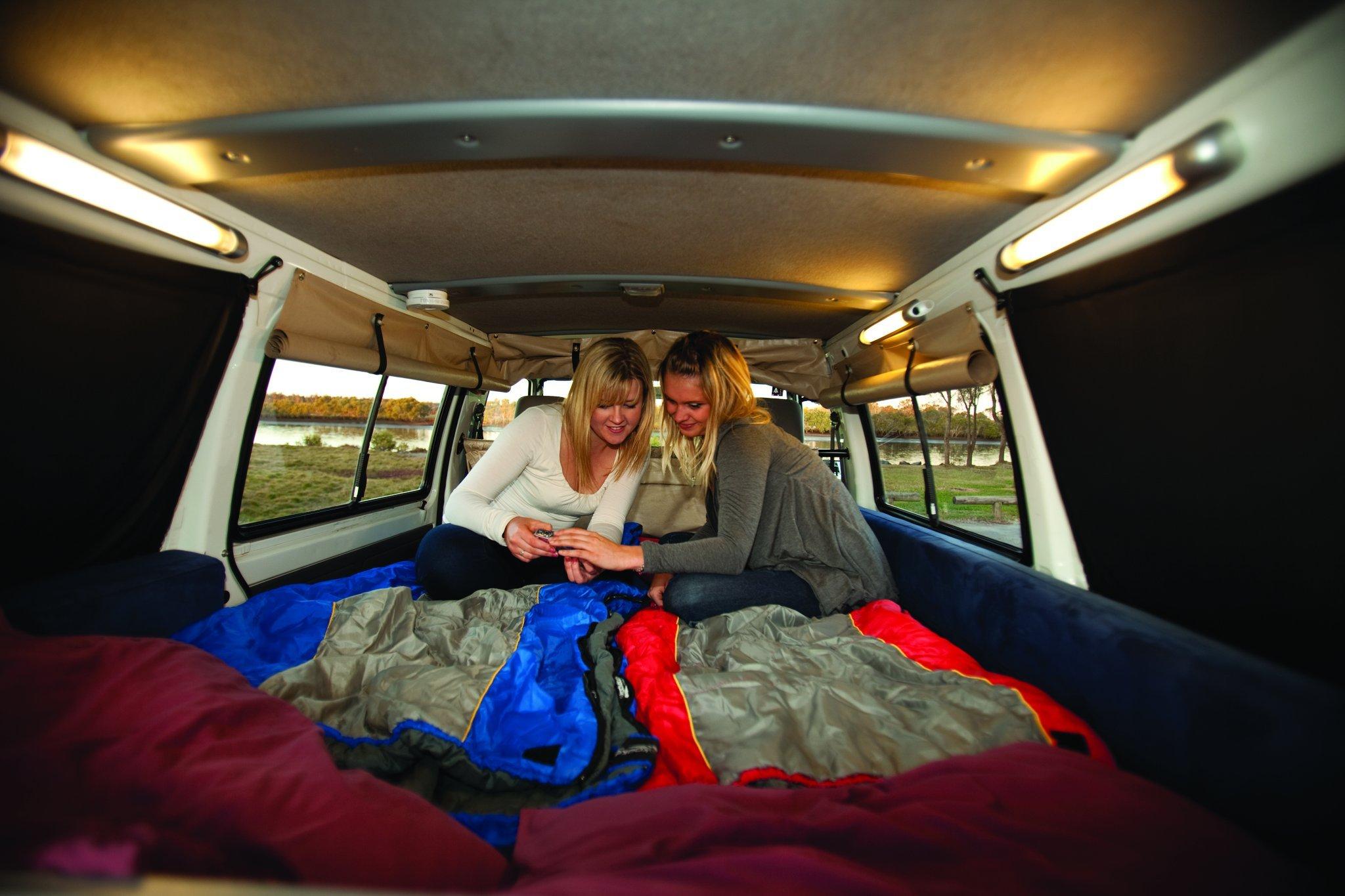 Het bed in de Hippie Drift camper