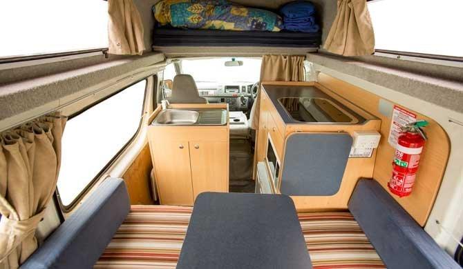 Interieur van de Hippie Hitop camper