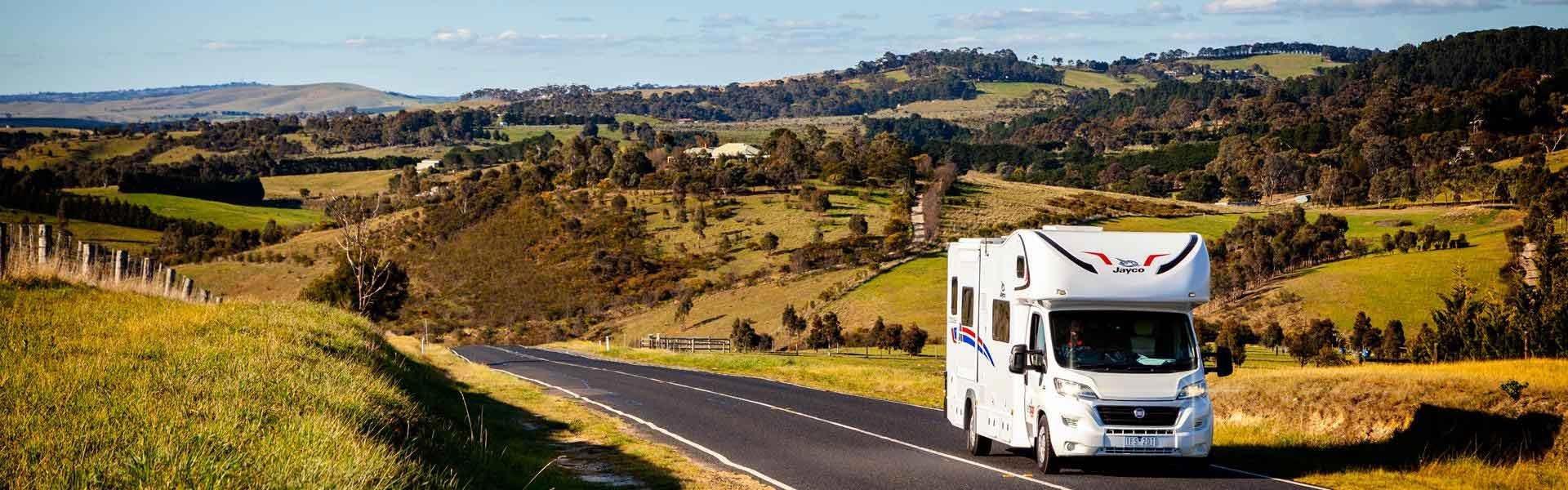 Geniet van een campervakantie door Australië in een van de campers van Lets Go Motorhomes