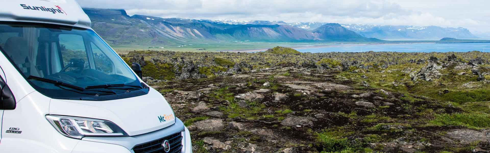 Maak een camperreis door IJsland met een camper van McRent bij Victoria CamperHolidays