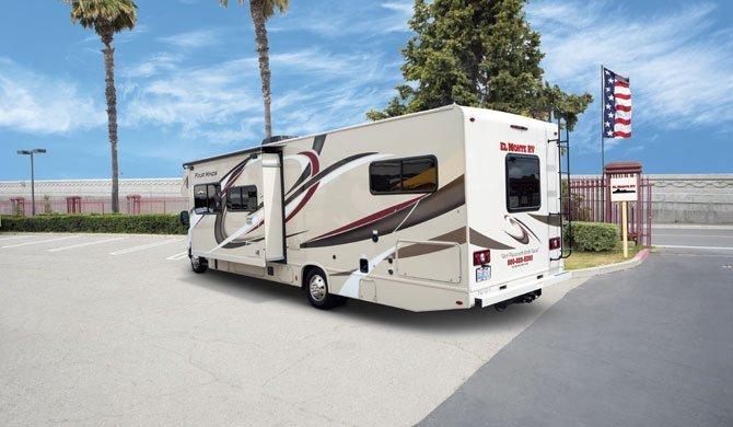 Ga op camperreis door Amerika in de El Monte FS31 camper