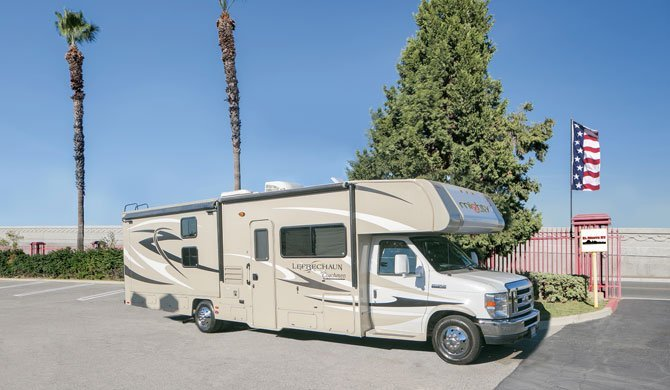 Huur de Mighty MS31 camper en ga op reis door Amerika