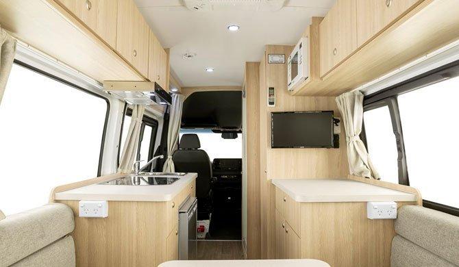 De badkamer in de Star RV Aquila camper