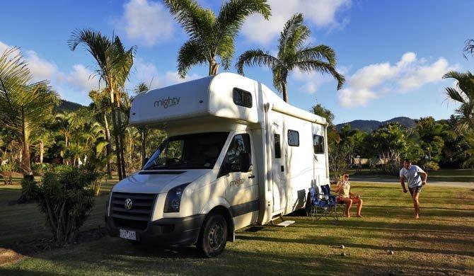 Ga op camperreis door Australië in de Mighty Double Up camper