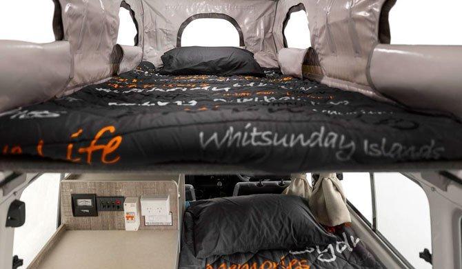 De bedden in de Apollo Trailfinder camper