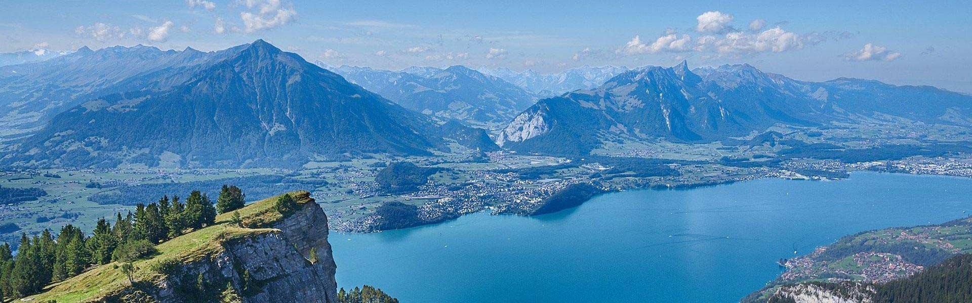 Bezoek Zwitserland tijdens een camperreis door Europa met Victoria CamperHolidays
