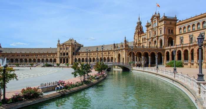 Bezoek Sevilla tijdens een camperreis door Spanje met Victoria CamperHolidays