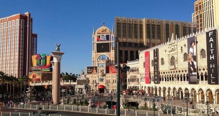Begin uw camperreis in het bruisende Las Vegas met Victoria CamperHolidays