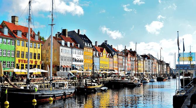 Nyhavn District Kopenhagen Denemarken camper huren Victoria Campers Europa