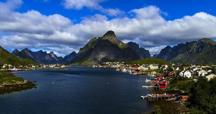 Bezoek de Lofoten tijdens een campervakantie door Noorwegen met Victoria CamperHolidays