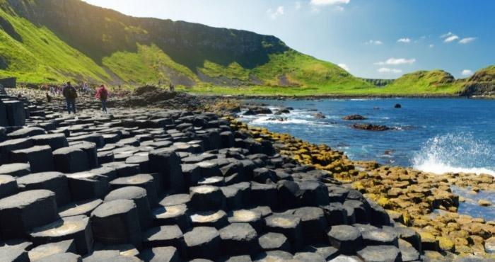 Ontdek Giant's Causeway tijdens een camperreis door Ierland