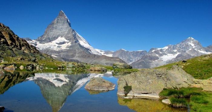 Breng een bezoek aan de Matterhorn tijdens uw camperreis door Zwitserland