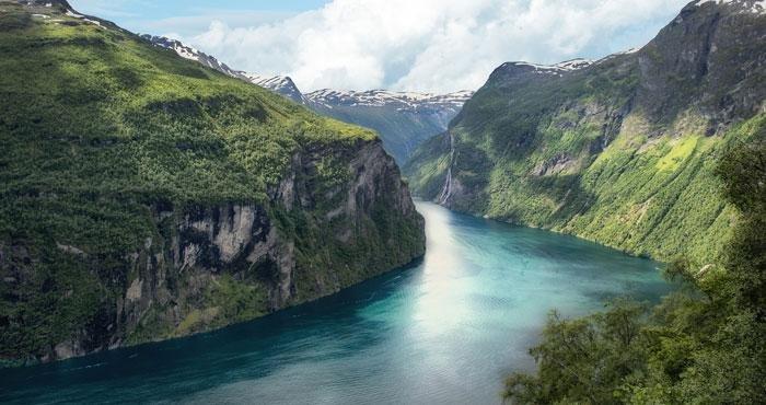 Bewonder de Noorse fjorden tijdens een camperreis in Noorwegen