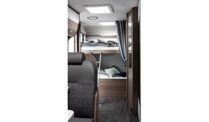 Het stapelbed achterin de Rent Easy Family Extra camper