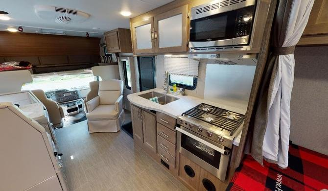 Fraserway C-Large Camper