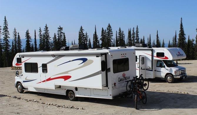 Ga op camperreis door Canada in de MHX camper van CanaDream