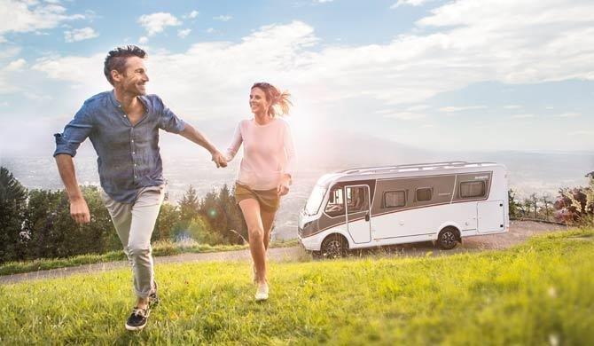 Ga op camperreis door Europa in de McRent Compact Luxury camper
