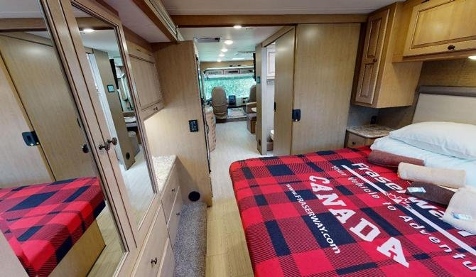 De ruime Fraserway A-Luxury Camper