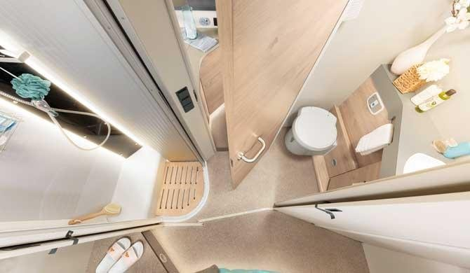 De badkamer in de McRent Comfort Plus camper