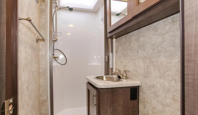 De compacte badkamer in de Four Seasons C-medium